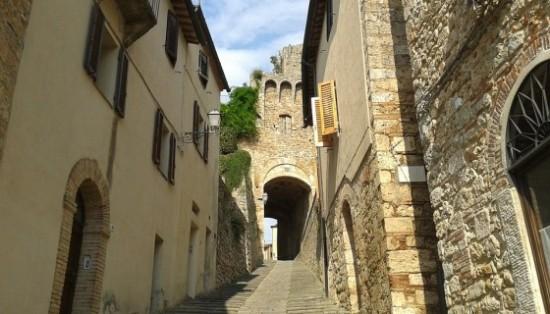 borgo-166145_960_720